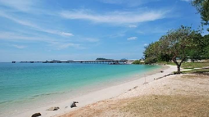 Пляж Танцующей девушки, иначе Hat Nang Ram