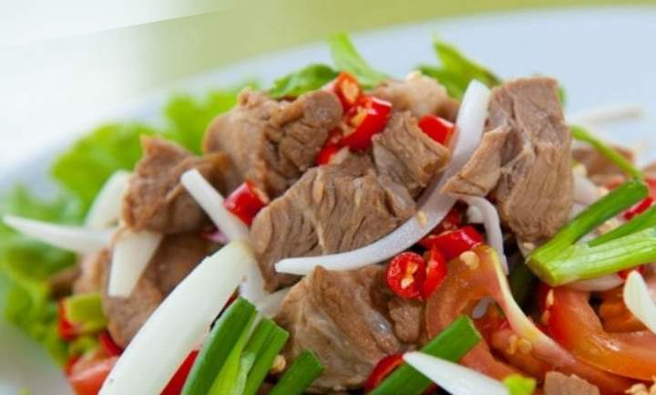Тайский калорийный салат