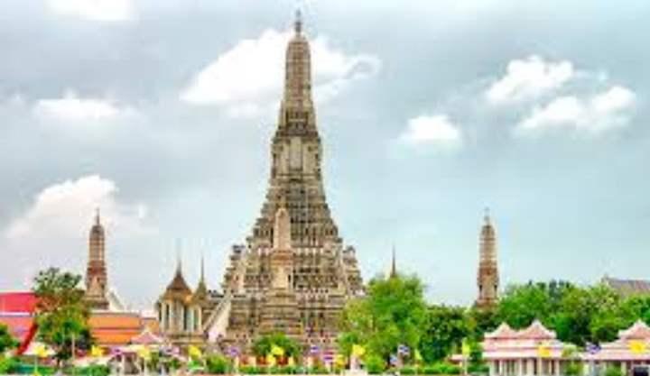 Храм Утренней Зари или Wat Arun