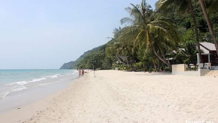 Пляж Таиланда осенью