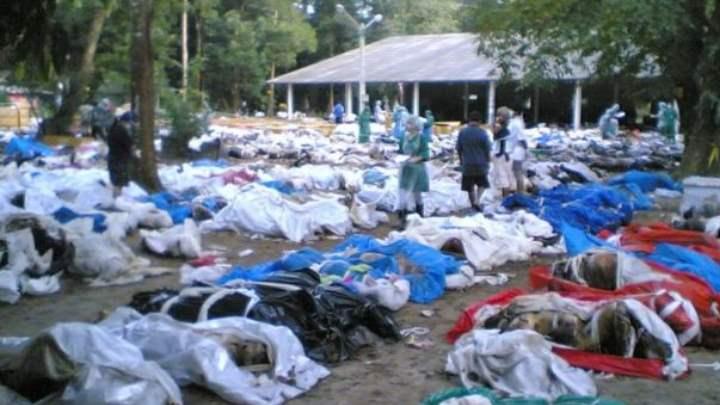 Трупы от цунами 2004