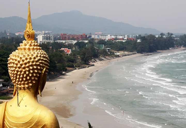 Пляжная зона Хуа Хина длиной в десять километров