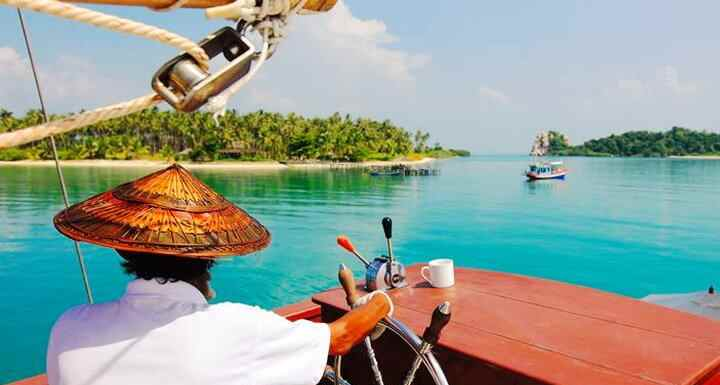 Осуществляется с борта тайской национальной лодки. Чем заманчив такой вариант?