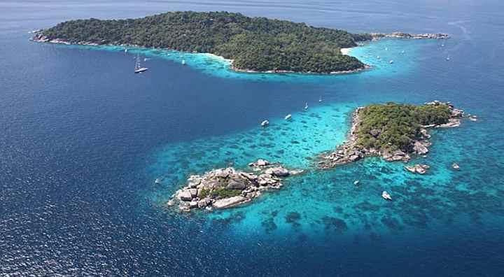 объединяет одиннадцать островов, абсолютно разноплановых