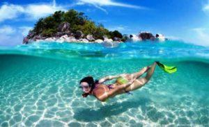 Снорклинг – ныряние в морскую толщу на небольшую глубину в маске