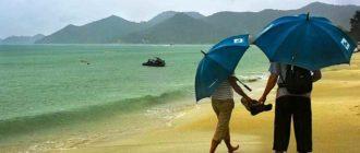 Зонтик на пляже
