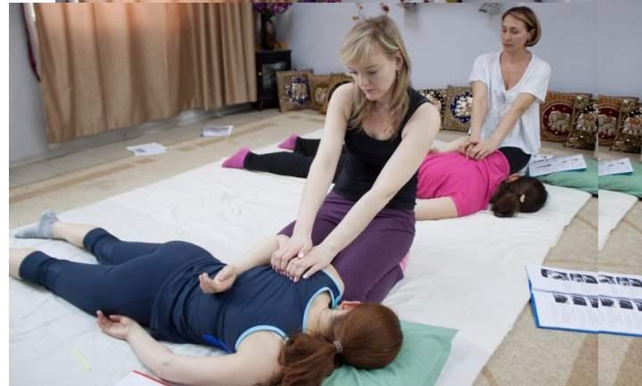 Встряхивание. Определенными частями тела в зависимости от вида и целей массажа
