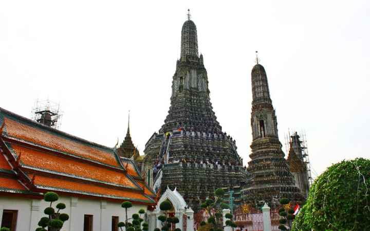 Дневной вид на храм