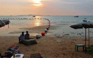 Обычно в Тайланд туристы летают только в зимние месяцы