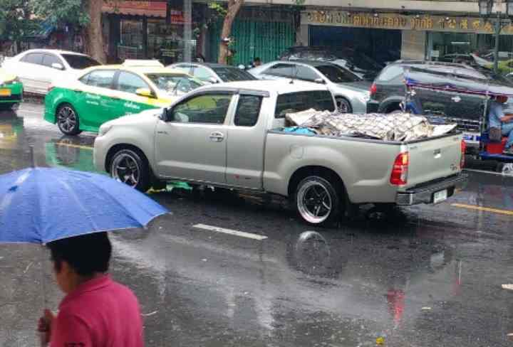 Toyota Altis, или аналог от 9798 рублей;