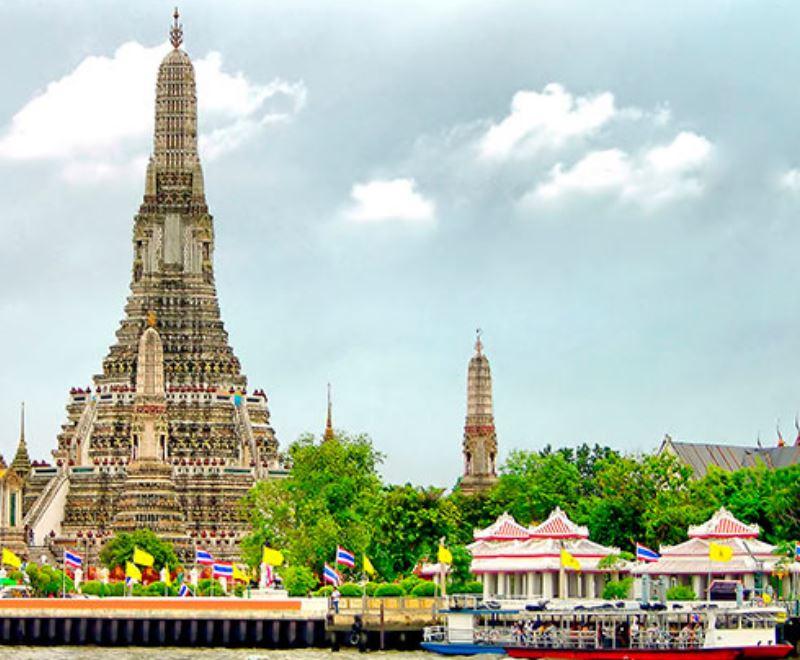 Строительство основных строений в Ват-Ратчанадда проходило в период правления Короля Рамы