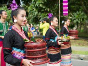 Традиции в праздник Лой Кратонг